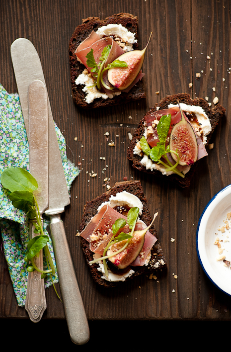 Fig Goat Cheese Tartines